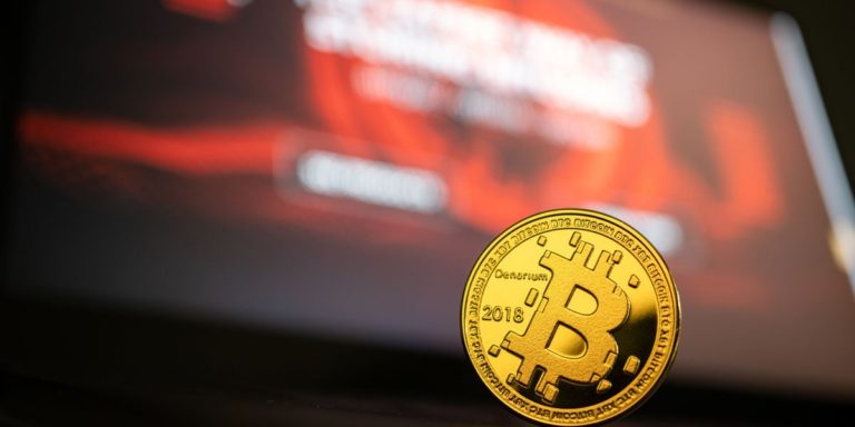 How to choose a Bitcoin debit card